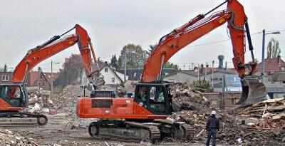 Демонтаж высотных и особо опасных конструкций