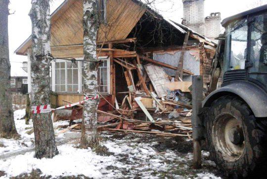 Снос аварийных домов в Белоострове