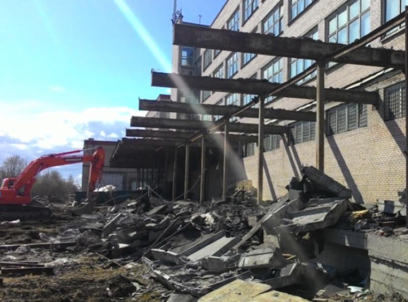 Демонтаж административного здания в Московском районе, г. Санкт-Петербурга