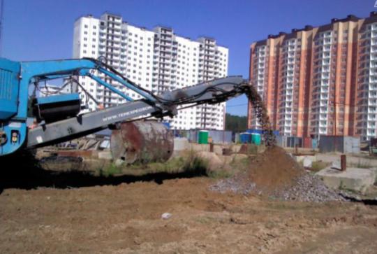 Дробление железобетонных конструкций на территории проекта «Радужный»
